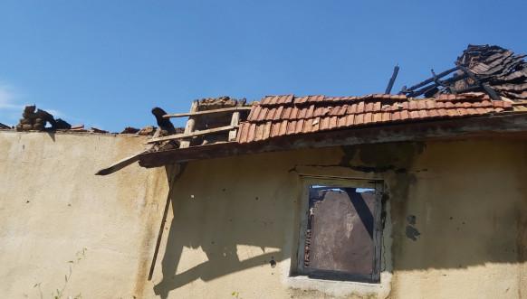 Orahovac, izgorela srpska kuća