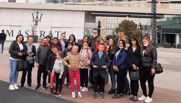 Deca iz Gračanice sa Petrom Petkovićem