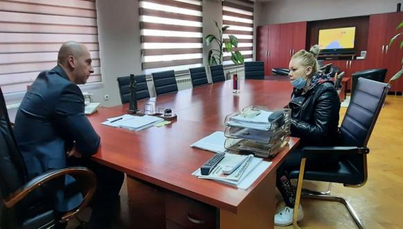 Načelnik okruga Slavko Simić tokom upoznavanja sa problemima građana