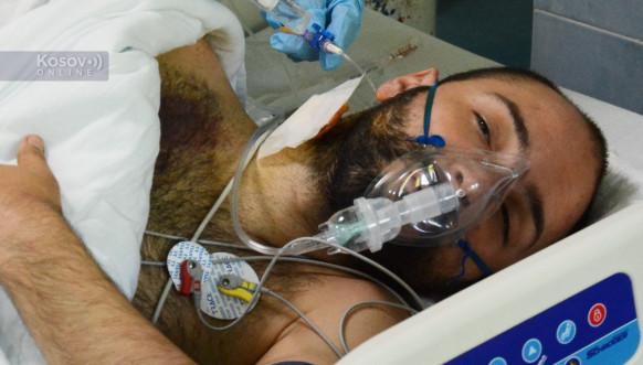 Povređeni motociklista Ivan Milošević na odeljenju Intenzivne nege KBC u Severnoj Mitrovici