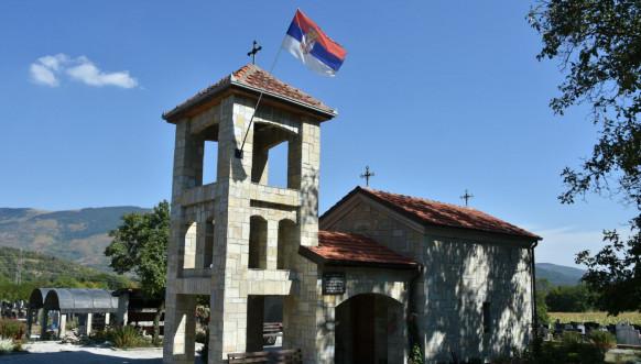 Štrpce - srpske zastave