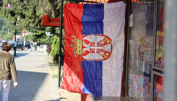 Leposavić - srpske zastave