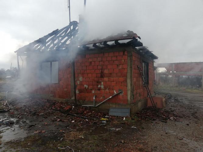 Izgorela kuća u selu Grace