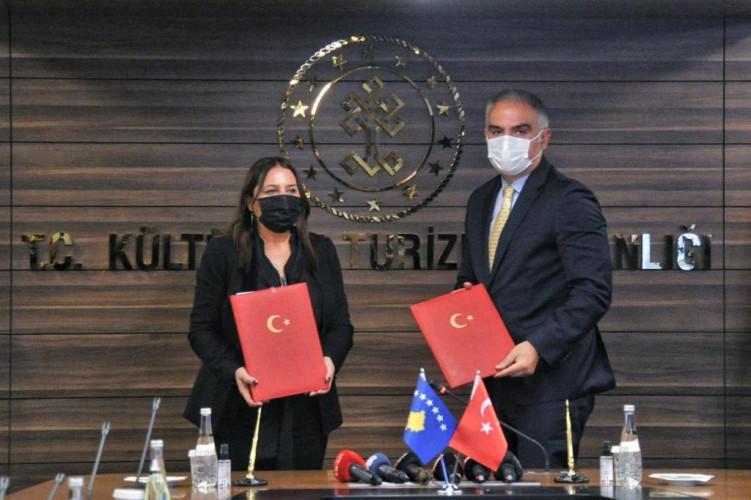 Vljora Dumoši i Mehmet Nuri Ersoi
