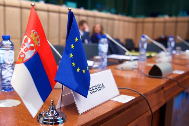 Zastavice EU i Srbije