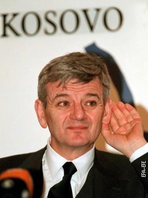 Joška Fišer u Prištini 8. marta 1999.