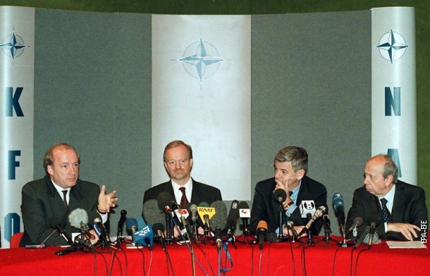Priština 23. jun 1999, ministri inostranih poslova Francuske, Velike Britanije, Nemačke i Italije: : Iber Vedrin, Robin Kuk, Joška Fišer i Lamberto Dini