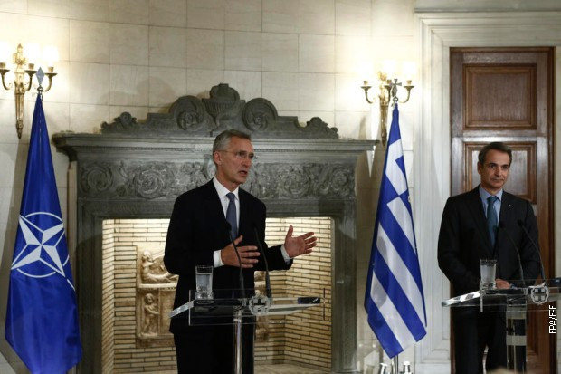 Generalni sekretar NATO-a Jens Stoltenberg i grčki premijer Kirijakos Micotakis